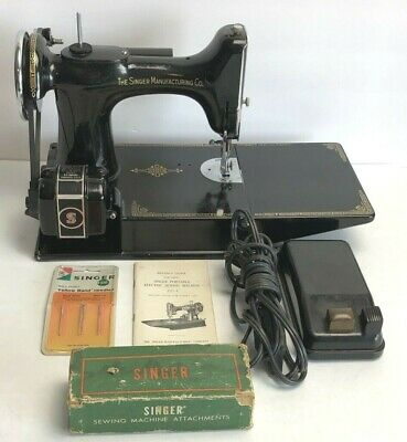 Singer Featherweight 221-1 AE541051 Sewing Machine w/ Brochures and Accessories