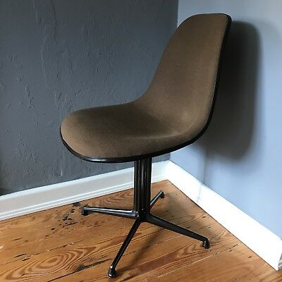 EAMES upholstered Fiberglass SIDE CHAIR La Fonda by VITRA Herman Miller