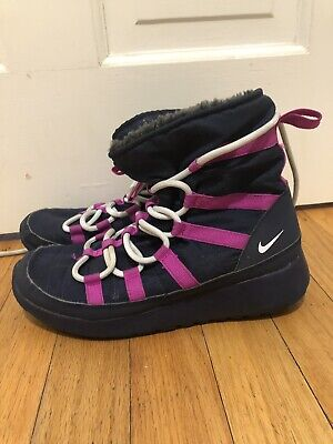 size 40 fbf61 1f348 YOUTH GIRLS NIKE Roshe One HI Sneakerboot Size 4Y 807758-407