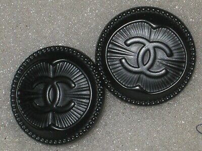Chanel 2 cc buttons BLACK   18mm lot of 2 good condition