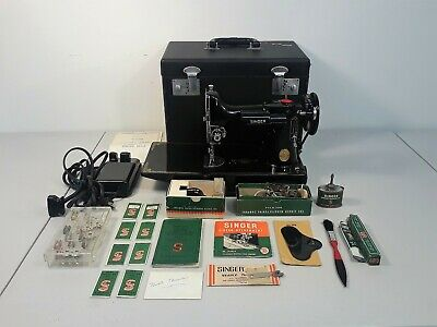 Vintage SINGER Featherweight Model 221-1 SEWING MACHINE w/Case, Accs #3907