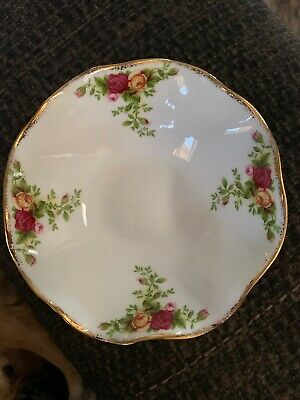 Royal Albert Old Bone China Country Roses Footed Dessert Dish w/ Ruffled Edge