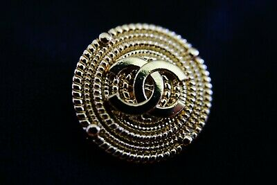 CHANEL button 20 mm 0,8 inch GOLD TONED Logo CC metal