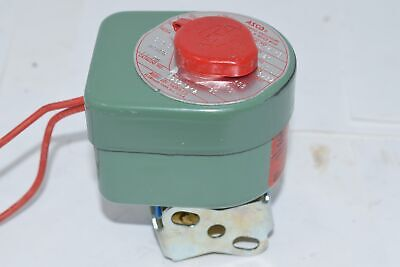 NEW Asco Red Hat 8262A212 Solenoid Valve 1/4'' 110/120 V 20 Watts
