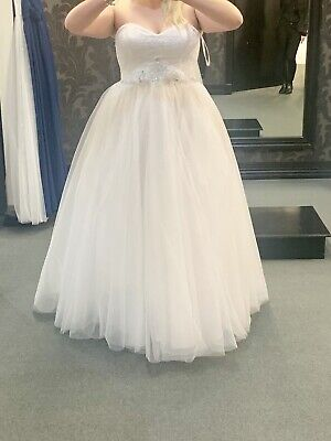 Stunning Wedding Dress Size 16-20, New With Tags