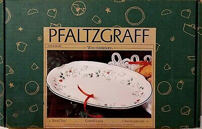 Pfaltzgraff Winterberry Christmas Holiday Bread Tray Oval Serving Platter USED