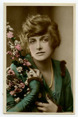 1910s Vintage BEAUTIFUL YOUNG LADY Actress Gladys Cooper photo postcard