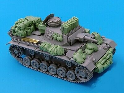 1/35 Resin WWII German Tank III Stowage Set Unpainted QJ086