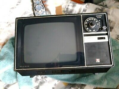 Retro Vintage 1970's Hitachi Portable TV Model: I-895 S - WORKING