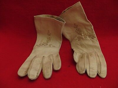 "Vintage ""Made in Germany (US Zone)"" Cream  Butter Soft Leather Gloves - Size 7"