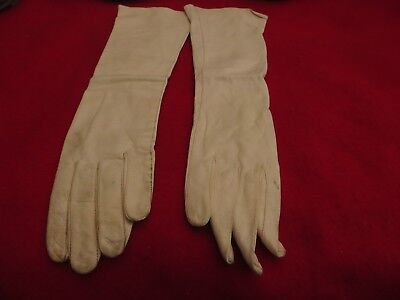 Vintage Pair Of Ladies Italian Kid Leather Unlined Long White Gloves - Size 6
