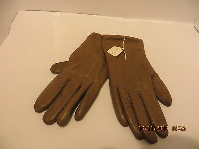 Lovely Pair Of Ladies Butter Soft light Brown Leather Gloves - SIze 7
