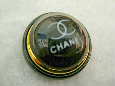 💋💋💋💋💋 Chanel 1 button  28mm lot of 1  CC LOGO