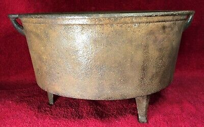 Antique No 12 Cast Iron Dutch Oven, 3 Footed, Gate Mark