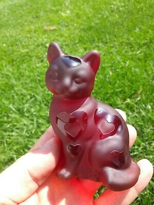Fenton art glass cat ruby red with hearts beautiful