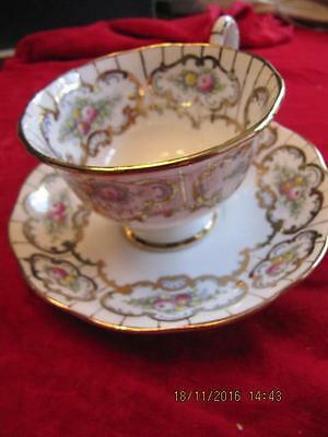 Royal Albert Bone China Teacup & saucer set  Heavy gold banding w framed florals