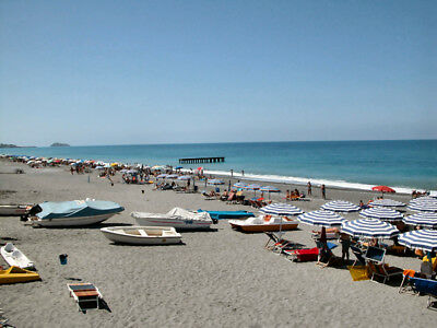 Seaside property real estate in Italy for sale. 1 bed flat opposite beach #15