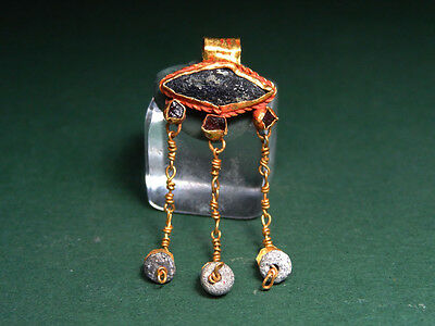 Ancient Gold Magical Eye Pendant With Garnet & Glass Stone Roman 100-300 Ad