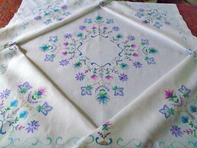 Gorgeous Vintage Hand Embroidered Linen Tablecloth~Superb Colours & Stitch Work
