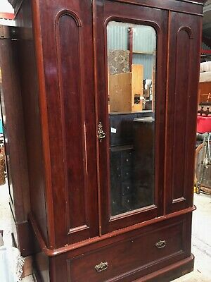 Antique Mahogany Double Wardrobe Armoire     20/8/C