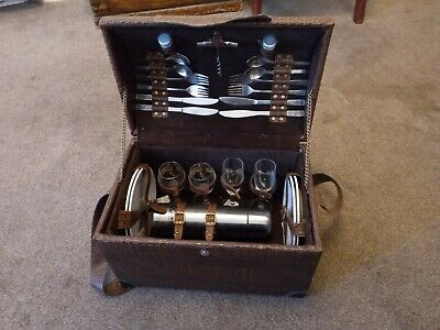 LARGE 70's / 80's VINTAGE HAMPER PICNIC TRAVEL TRUNK STEAMPUNK