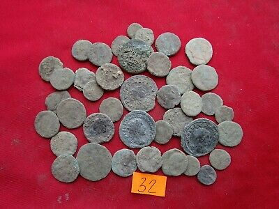 Ancient Roman coins - MIX GRADE COINS FOR CLEANING - 40 pieces . Lot 32.