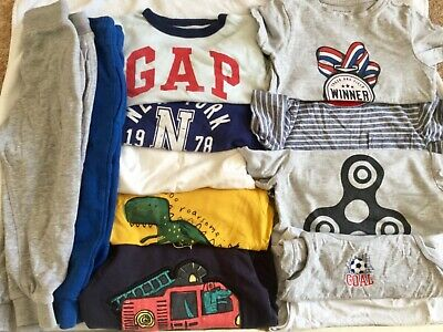 Boys bundle Size 2-3 years used but ok condition 12 items tops tracksuit bottoms