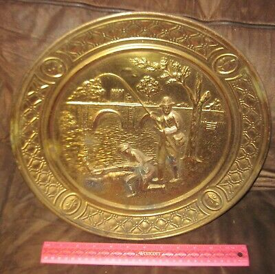 Vtg Embossed Brass Decorative Wall Plate/ Colonial Fishermen/ England - OMBARD