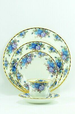 Royal Albert Moonlight Rose 5 piece Place Setting Super Clean From Canada