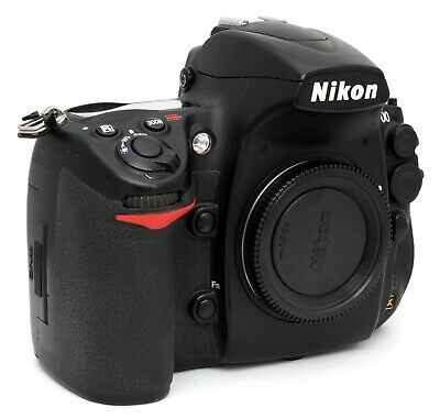 Nikon D700 Only 42100 Actuations Boxed with Batteries, Charger etc