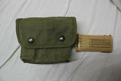 US Military Issue WW2 JUNGLE FIRST AID Kit POUCH MEDIC MEDICAL Pouch with Badage