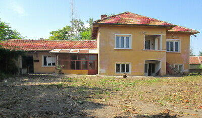 Two storey Bulgarian house with land nr VT region, Bulgaria - extensive repairs