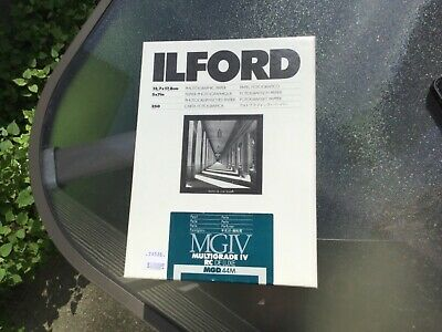 """Ilford Multigrade IV RC Deluxe B&W MGD.44M Paper (5x7"""", Pearl, 250 Sheets)"""