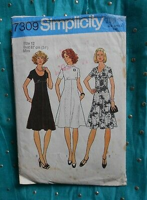 """Vintage 1970's SIMPLICITY sewing pattern 7309. DRESS. Size 34"""" bust."""