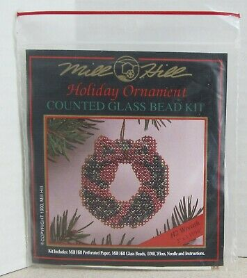 Mill Hill Counted Glass Bead Ornament Kit - Holiday Wreath H2
