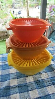 Vintage Tupperware  Servalier Bowls with Press Seals Graduated Sizes set of 3