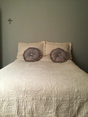 New Cream Quilted Bedspread And Cushion Covers