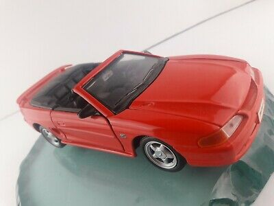 Maisto 1:24 94 1994 Ford Mustang GT convertible nice shape Red 90s