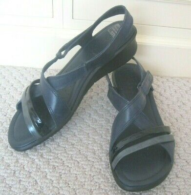 Ecco Navy Blue Leather Sandals Sz 40 (9) Strappy Flats Comfort Worn Once
