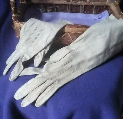 Antique Victorian Ladies Gloves/pale grey/great condition/6.5-for display only