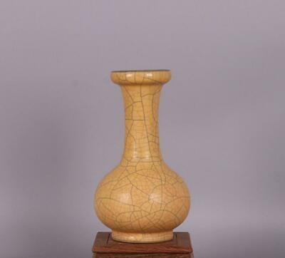 chinese old handmade Yellow glaze porcelain bottle 08473