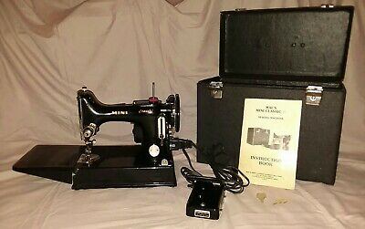 """Mal's Mini Classic Sewing Machine  """"A Feather Weight Reproduction"""""""