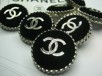 💋💋💋💋💋 Chanel 8 buttons  25mm lot of 8 black VELVET SILVER CC free shipping