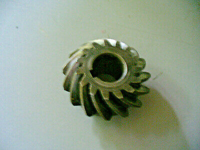 MP6636 USED OMC JOHNSON EVINRUDE PINION GEAR 305216