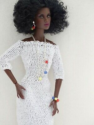 Meganesque Gown.  Evening wedding dress for 11-12 inch fashion dolls