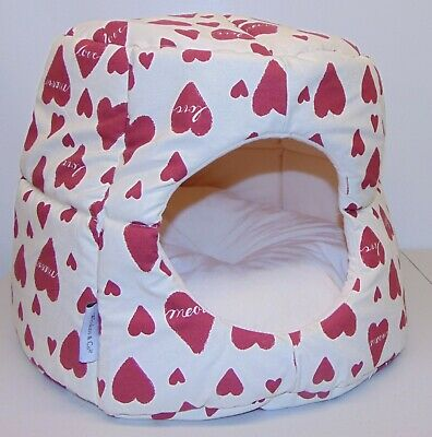 Whiskers & Co Collapsible Cat Hut Bed Hearts Meow Love