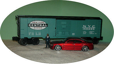 Maisto - 2006 Dodge Charger-  1:43 - O Train Vehicle