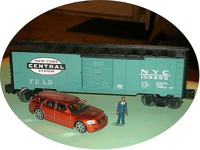 Maisto - 2005 Dodge Magnum R/T  Suv  -  1:43 - O Train Vehicle