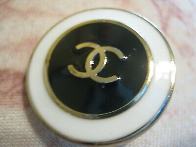 Chanel 1 PRETTY button  24mm WHITE BLACK  GOLD CC