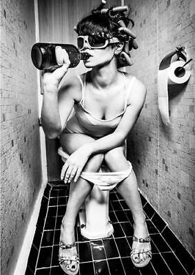 GIRL ON THE TOILET DRINKING AND SMOKING POSTER Wall Art Photo Print A3 A4
